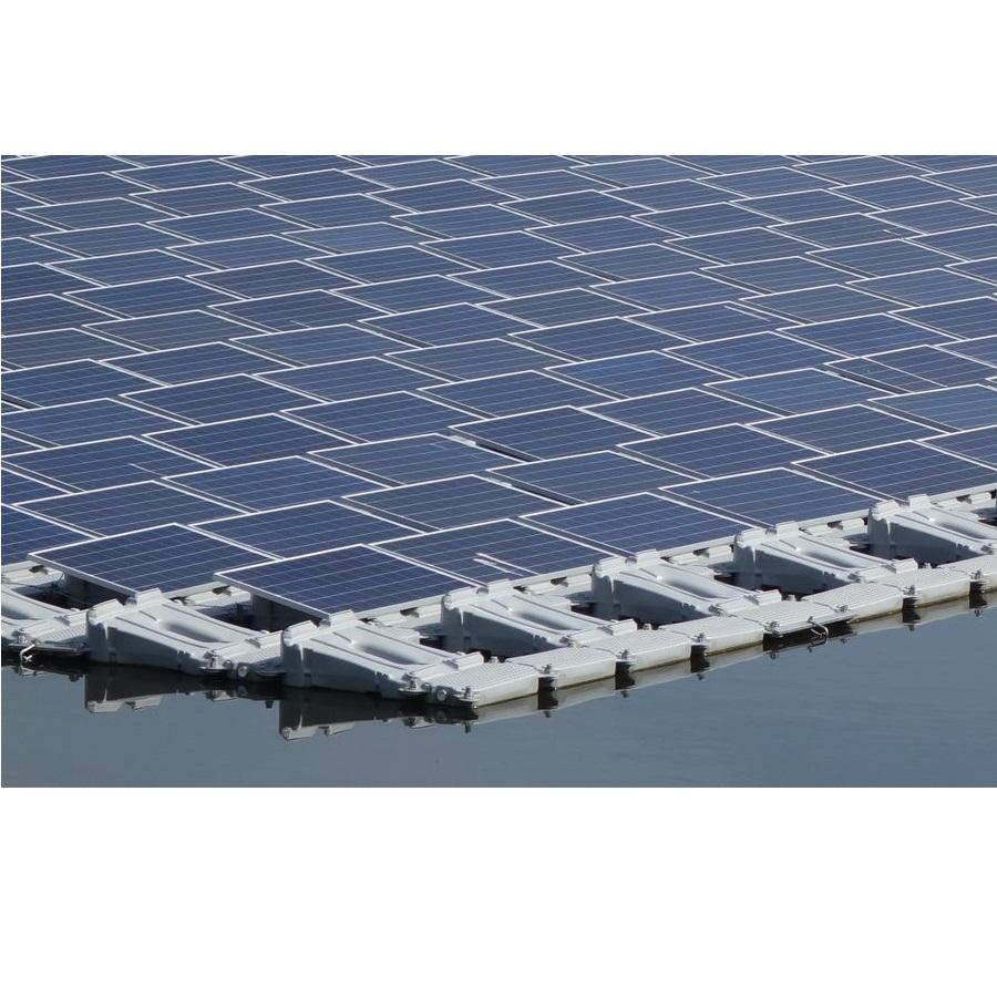Vaucluse: La première centrale photovoltaïque sur l'eau est en bonne voie