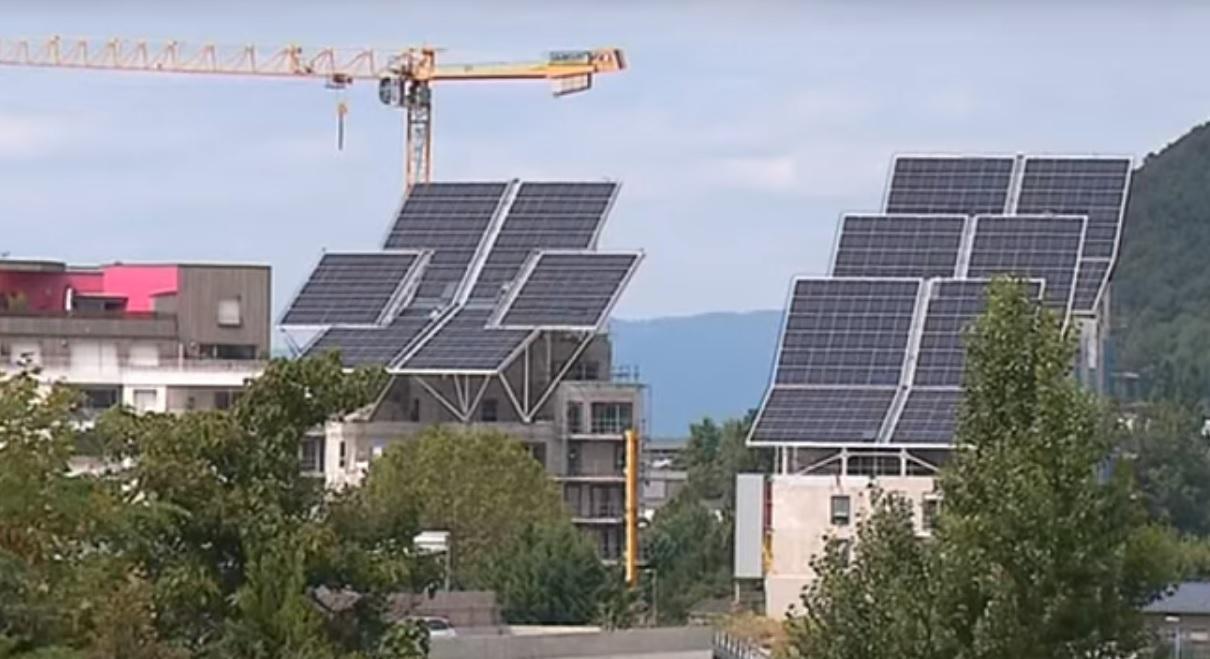 Grenoble : un ensemble HLM va exp�rimenter des batteries de stockage de l'�nergie solaire, une premi�re en France
